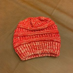 Brand new Ladies beanie with ponytail hole